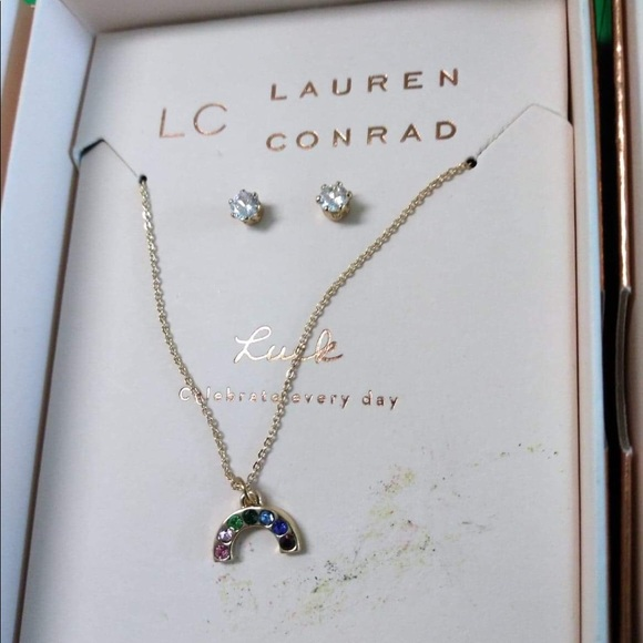 Set of luck necklace and earrings